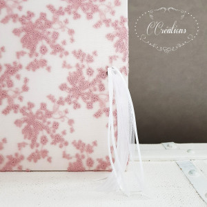 Livre d'or mariage { Dentelle de tulle rose} et pompon de ruban, coloris rose et blanc