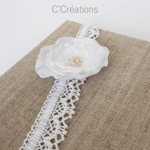 Livre d'or mariage { Flower } toile de lin, dentelle et fleur de satin